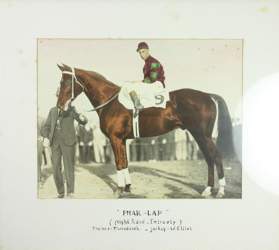 Phar Lap a W. Elliot po doběhu Agua Caliente Handicapu 1932